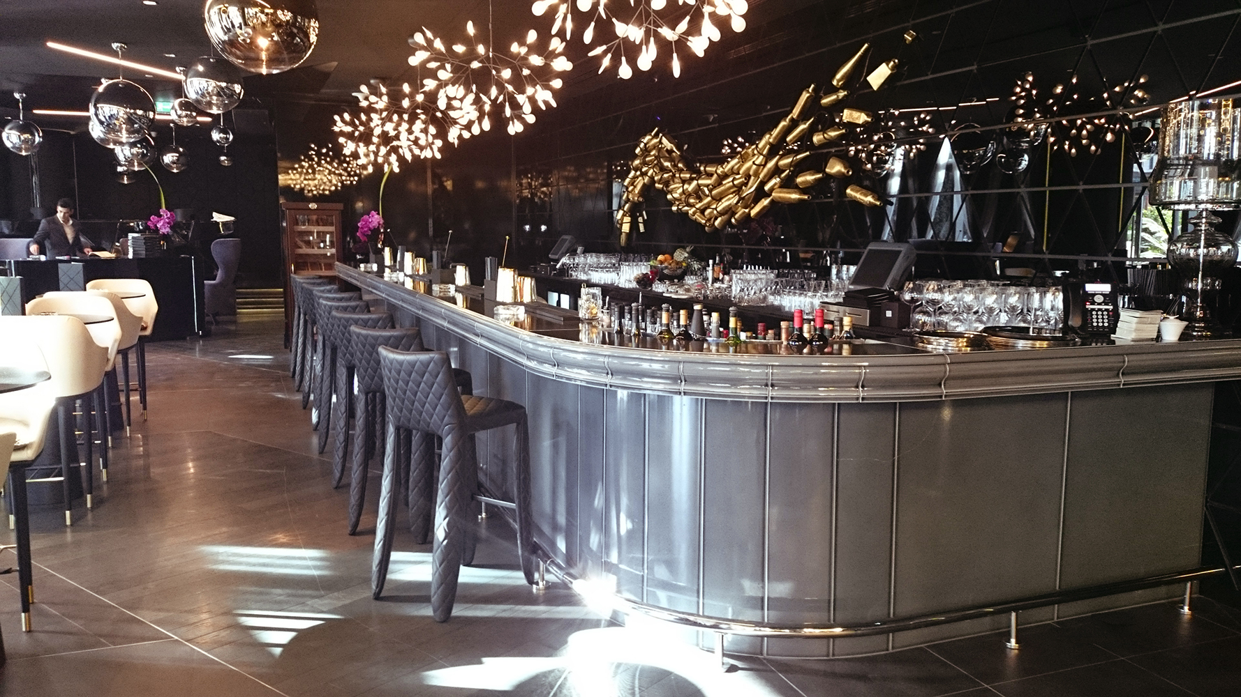 Fabuleux Buffets and reception counters for bars & restaurants - Pyrolave CR39