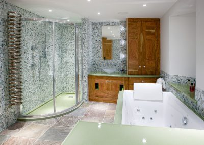 Private bathroom - Custom colour - London (UK)