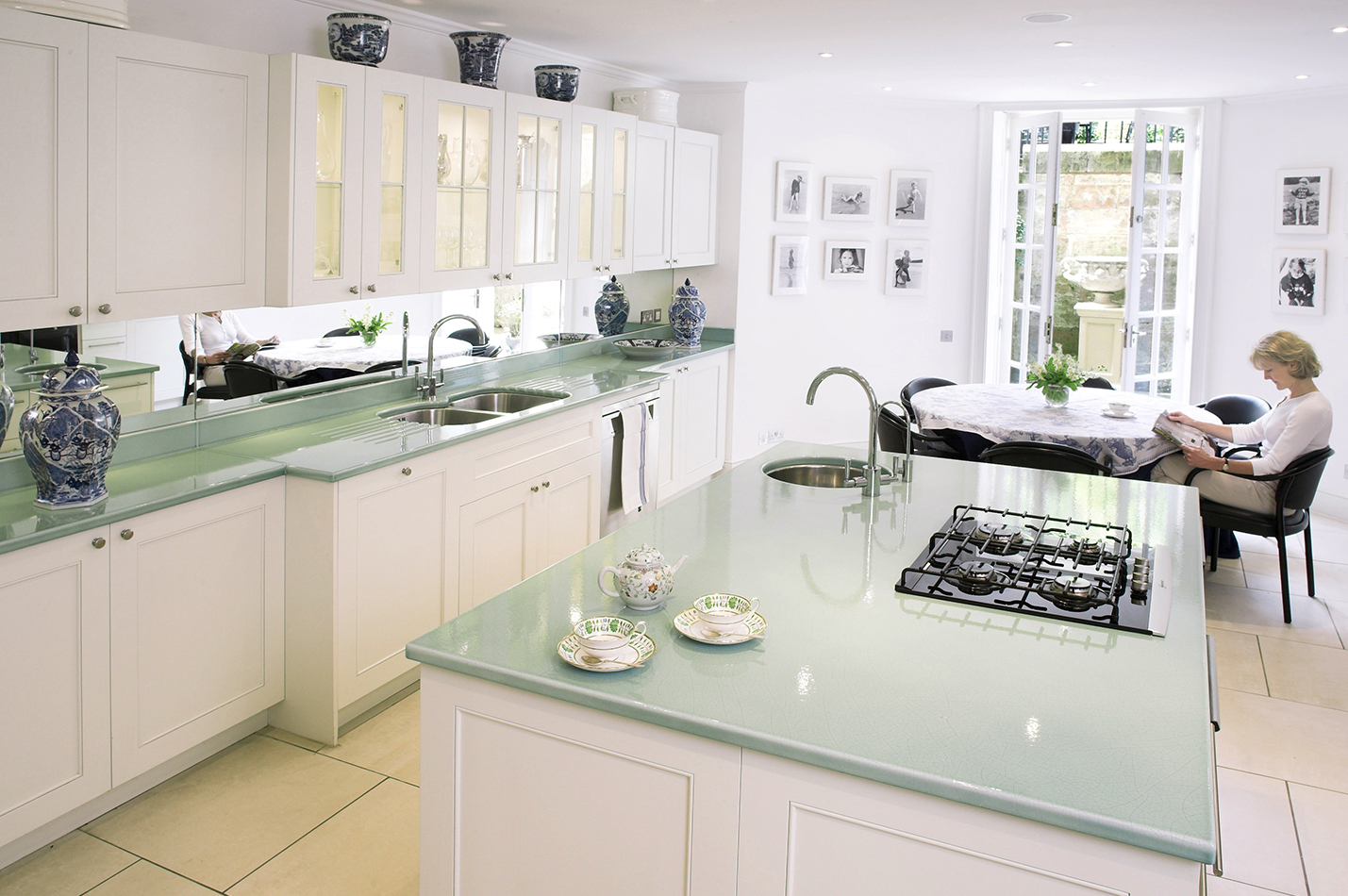 Private Kitchen   Custom Colour   Middlehands (UK)